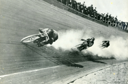 Photo of motorcycle board track racing. Throttlestop